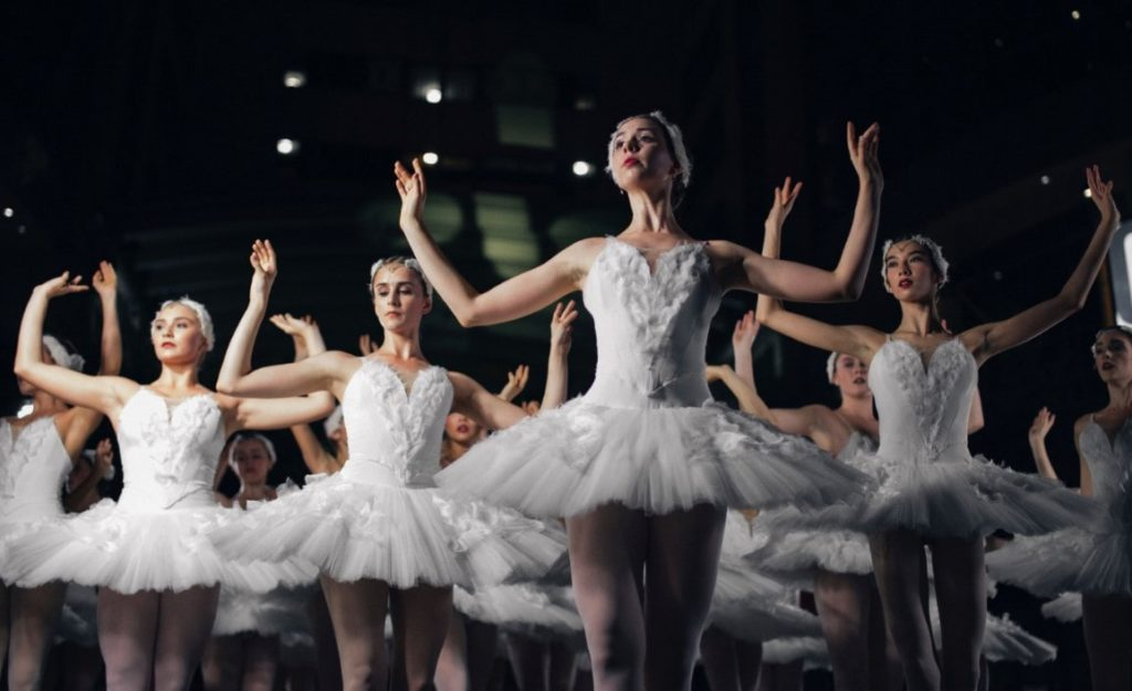 Blue Danube dance waltz