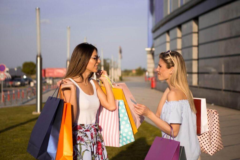 Women shopping time